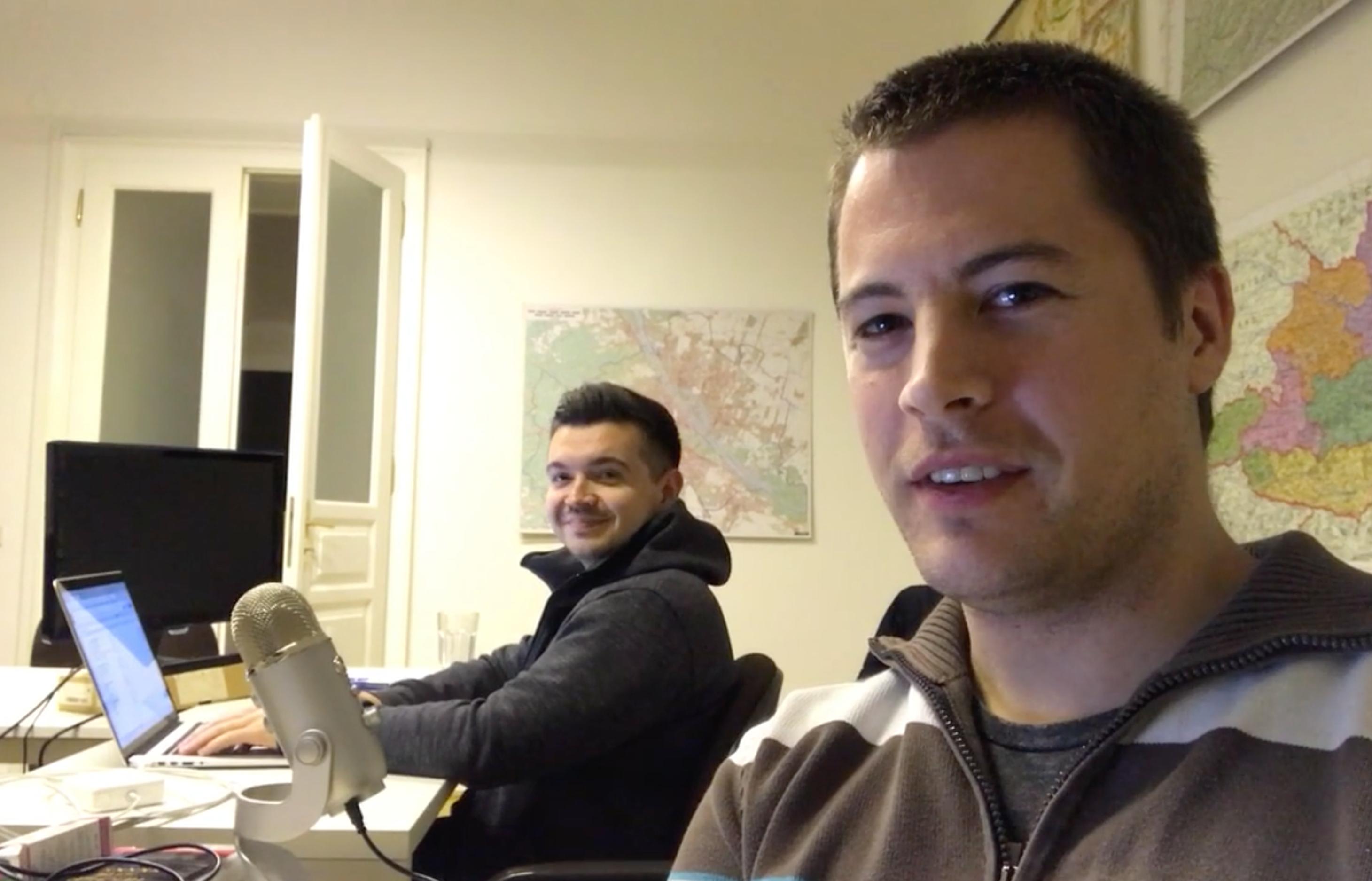 Artur und Jakob am Freitagabend arbeiten - Online Business aufbauen